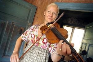 Carina Reineborn från Mörtsjön spelar gärna på olika stämmor.