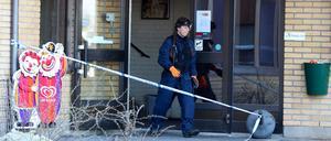 Under fredagen undersökte polisens tekniker det utbrunna Café VAG på Tunbytorp.