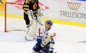 Leksands-forwarden Jon Knuts blir borta från spel i fyra till fem veckor. Foto: ROBERT GRANSTRÖM / TT