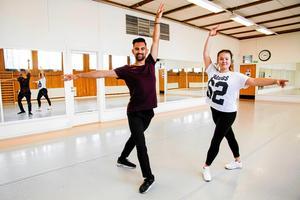 Nytt dansgolv välkomnas varmt av Avesta dance team, som tidigare höll till i Rågskolans gymnastikhall.