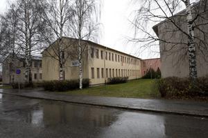 LOKALERNA KLARA. Engelska skolans gymnasium på Brynäs stod klara och lärare hade rekryterats.  Men tre veckor innan skolstarten beslutade kammarrätten att ta upp Gävle kommuns överklagan till prövning. I går kom beskedet att kommunens överklagande avslås. Gymnasiet får starta.