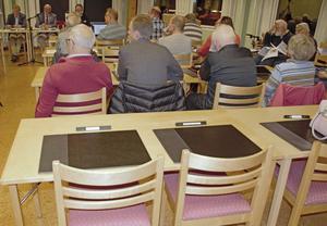 Flera SD-platser gapade tomma vid tisdagens kommunfullmäktige.