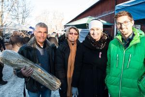 Sune Johansson, Katarina Johansson, Annika Johansson och Björn Sandvall var några av de långväga besökarna på julmarknaden.