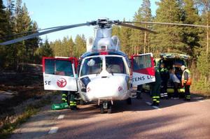 Helikoptern tog paret till Östersunds sjukhus.