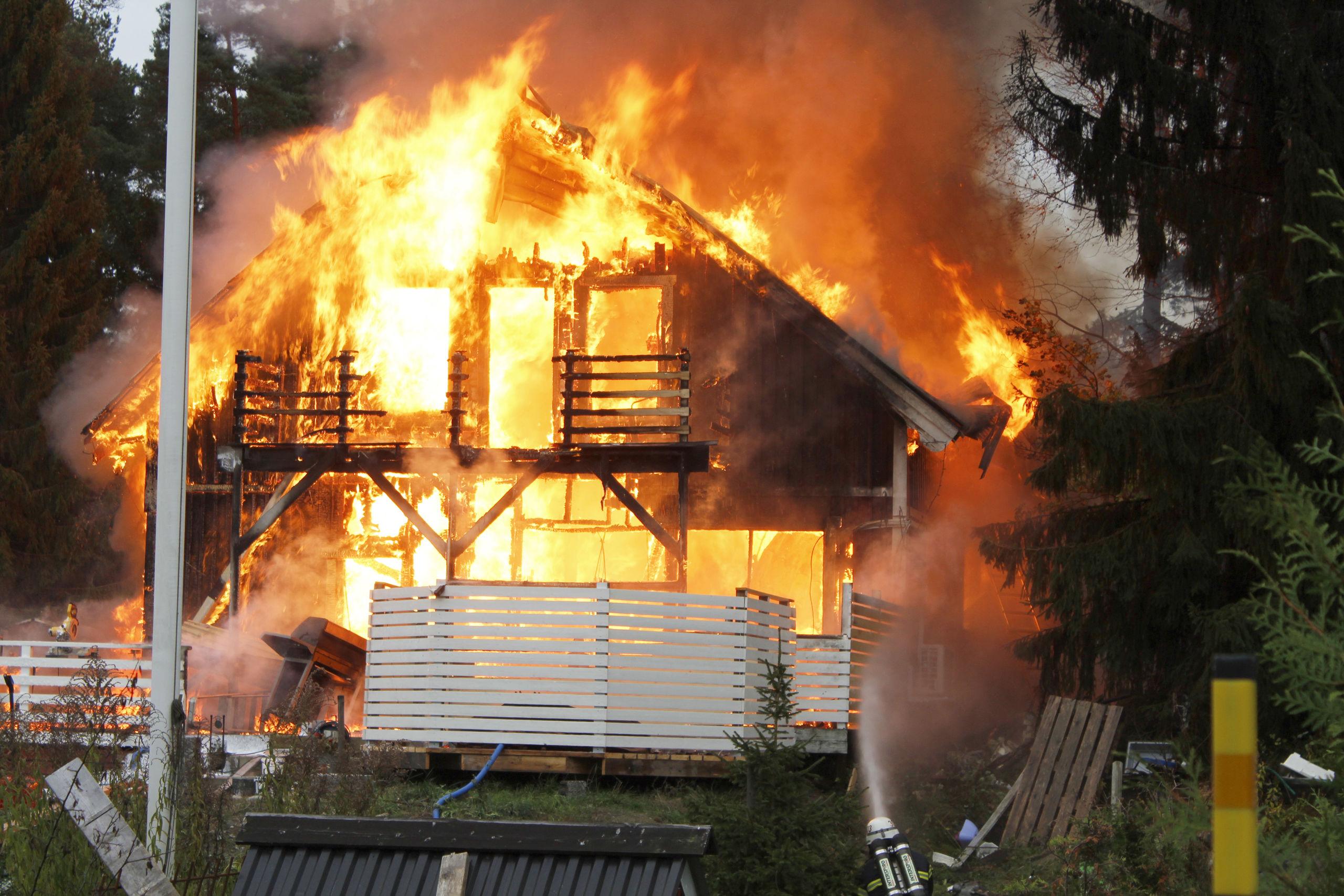 Villa brann ned till grunden