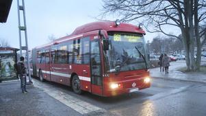 Harry Bouveng (M) tror inte att buss 861 mellan Nynäshamn och Gullmarsplan dras in med kort varsel. Han tror att bussen finns kvar åtminstone ett par år till.