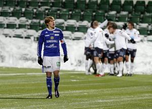 Superettan 2010: GIF inleder hemma mot Brage. Ari Skúlason gör 1–0 innan Johan Eklund (!) kvitterar. 2–1-skytt och ovan matchhjälte blir Nuri Mustafi. GIF etablerar sig (som vanligt) i tabelltoppen i mitten på sommaren och allt ser bra ut inför höstavslutningen, men drömmen om en direktplats till Allsvenskan försvinner i och med de avslutande 1–1-matcherna mot Trollhättan och Norrköping. Gefle väntar i kvalet och är för vassa.