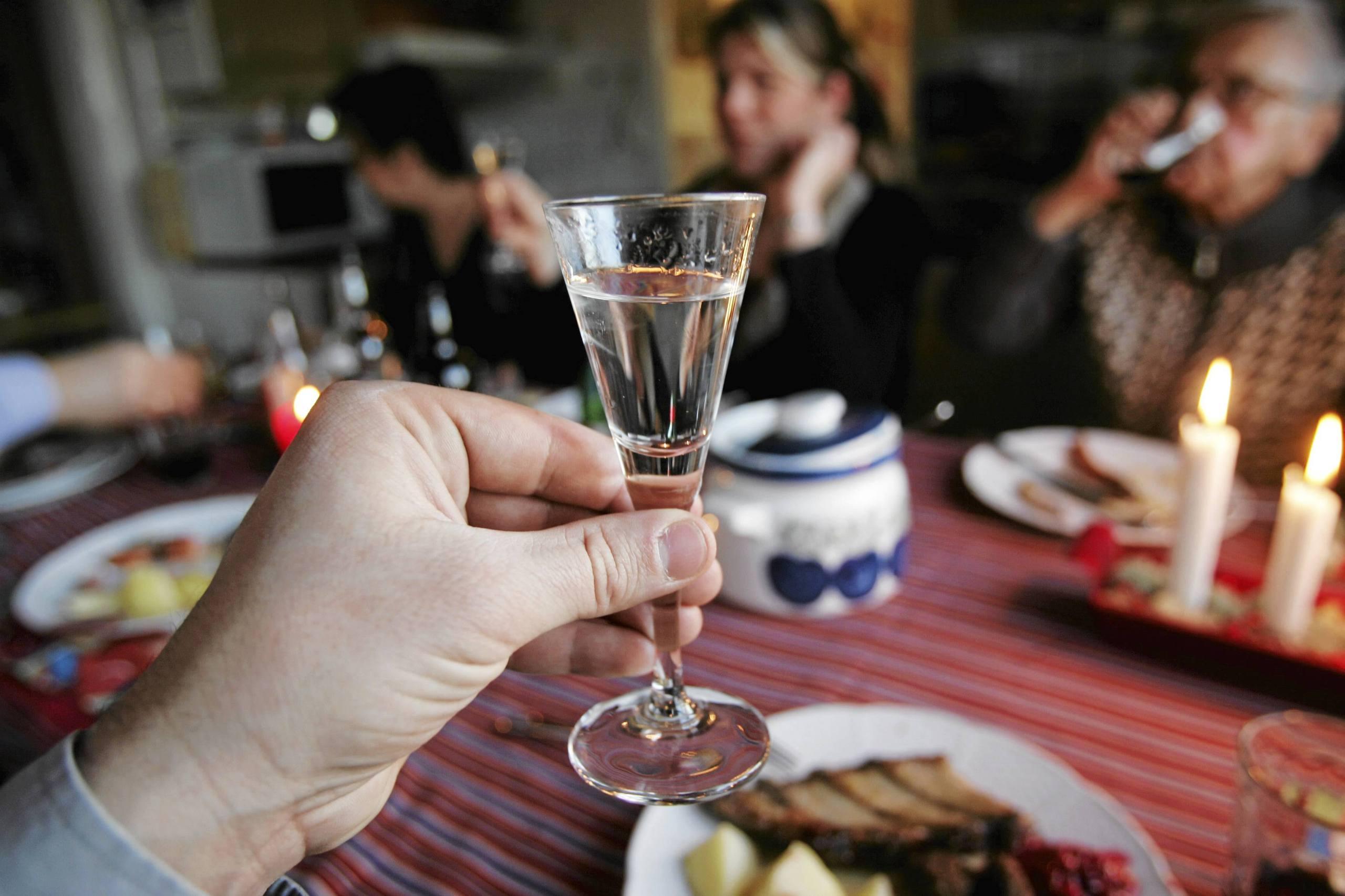 Barnen radda for julen nar foraldrarna dricker