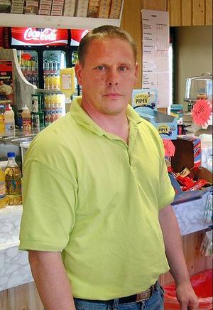 Lars Johansson från Bräcke väljer nu att berätta om sin inblandning i bärskandalen.