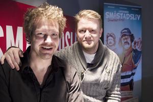 Christian Wallin och Christer Johansson är männen bakom dialektpratande Stånk-Tommy, Agneta Patrull och Ingemar bland andra i Småstadsliv.