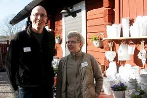 Peter Strandberg och Maria Lindgren driver Lövparkens trädgård.