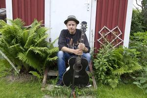 Per Persson har tröttnat på att spela i band och i höst gör Perssons Pack sin sista spelning tillsammans. Han kommer dock att fortsätta jobba med några av medlemmarna.