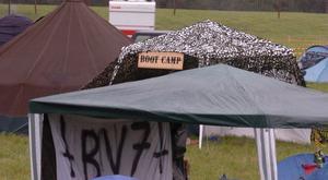Redan på måndagen kom de första festivalbesökarna till campingen - allt för att hinna festa och få ut så mycket som möjligt av festivalvistelsen.