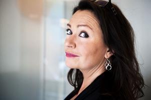 I morgon underhåller Maria Möller middagsgästerna med sin show på Klockargården i Tällberg.