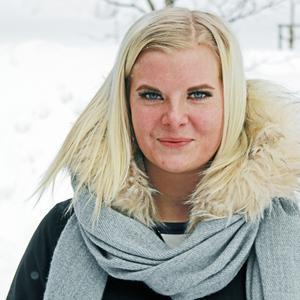 Josephine Eriksson, 17 år, gymnasieelev, Matfors   – Ja, hela tiden. Jag har höga krav på mig och det leder till att jag känner mig trött och att jag lätt blir irriterad.