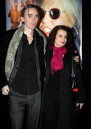 Alexander och Alexandra Coelho Ahndoril uppges ligga bakom pseudonymen Lars Kepler.