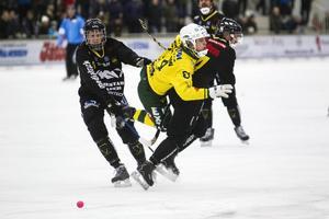 Jonas Pettersson åkte på en riktig stänkare mot Gripen, men mår så pass bra att han ska vara tillgänglig mot Falu BS.