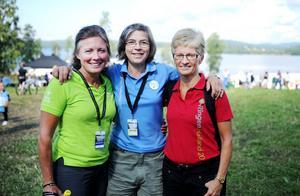 Oringens miljöchef Åsa Törngren omgiven av Katarina Wennman, miljöchef för Boden 2013 och Lotta Schurmann, miljöchef för Halland 2012.