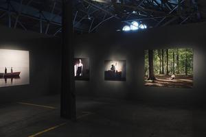 Magasinet i Falun visar samtida fotografi av tre av landets främsta fotografer, samtliga uppvuxna i Dalarna: Magnus Wennman från Svärdsjö, Helena Blomqvist från Smedjebacken och Nygårds Karin Bengtsson från Mora (bilden).