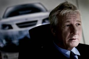 Christer Eriksson, vd och ägare till Eriksson Bilteam i Gävle, vet i dagsläget inte vad nedläggningen av Saab betyder för företaget. Foto: David Holmqvist