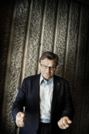 PR-firma. KREAB grundades på 70-talet av bland andra Peje Emilsson som tidigare hade arbetat för Moderaterna.