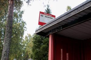 Det är busslinje 43 som också fungerar som skolskjuts mellan Järbo-Sandviken.