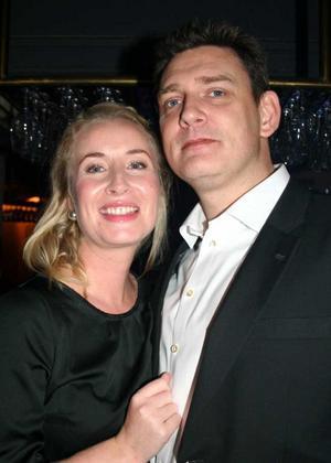 Blue Moon Bar. Anna Anka och Rickard Fahlander