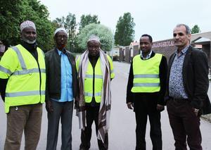 Abdi Haji Abdullahi, sekreterare i somaliska PRO i Borlänge tillsammans med Ahmed Ali Adan, vice ordförende, Ordförande Abukar Hassan, Ismail Shire och Josef Erdem.