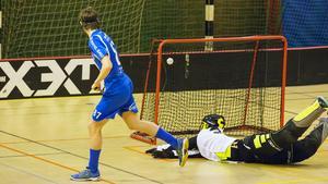 Hannes Karlsson satte 6–4 för Kumla på straff.