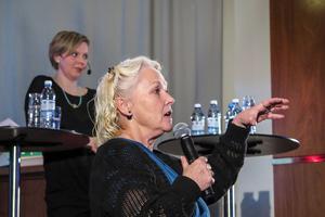 Regionpolitikern MonaLisa Norrman (V) framhöll att det är politikerna i de ingående länen i ett kommande Norrlands län som bestämmer hur många platser dess regionfullmäktige ska ha.