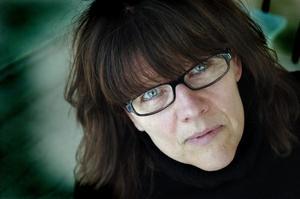 Poetisk. Helene Rådberg gör en poetisk vandring i Bollnäs. Foto: Catharina Sandström