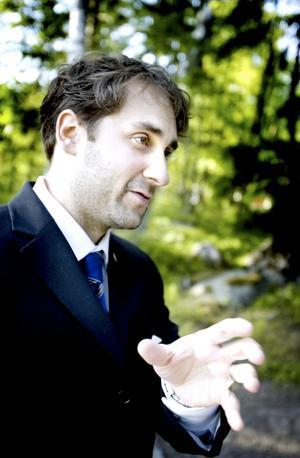 Mathias Osvath är föreståndare för Lunds universitets nya primatforskningsstation i Furuviksparken.