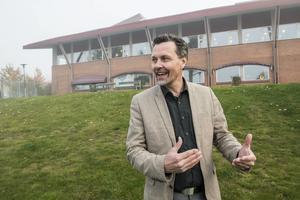 Thomas Nordberg, ordförande i Moälvens Fastigheter och Skolor, är ny ägare av Folkets Park som köpts av Nicklas Nyberg.