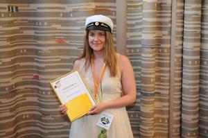 Amanda Olsson fick Plus företagarföreningens premium till bästa avgångselev på Handels- och administrationsprogrammet.