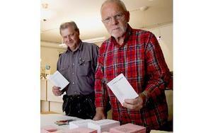 """Kent Nygren och Åke Bråten ställer båda upp i kyrkovalet i år. """"Kyrkan är en väldigt viktigt del av samhället, förhoppningen är att så många som möjligt tar sig till valurnorna"""", säger de samstämmigt. Foto: Andreas Irebring"""