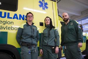Birgitta Brandebo, Jennie Jonsson och Christer Martinsen har alla sagt upp sig på grund av beslutet om att de måste jobba jour på nätterna. Och de är inte ensamma. Nästan hälften av de ambulansanställda i Sandviken-Hofors har sagt upp sig.