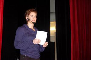 Anna Carin Olofsson-Zidek pratade om sin gymnasietid i Sveg och uppmanade eleverna att söka till Sveg.