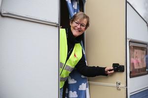 Gunilla Ekberg hoppas att projektet ska övergå till verksamhet i vår, och att husvagnen ska kunna köras runt till skolor över hela länet. Men först väntar en utvärderingsperiod.