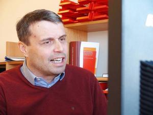 Daniel Kindberg, vd på Östersundshem, är tveksam till utredningen.