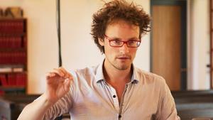 Anton Leanderson-Andréas jobbar som lärare på Sjöviks folkhögskola.