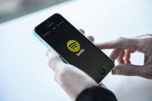 Flera hundra Spotifyanvändare ska ha kapats.