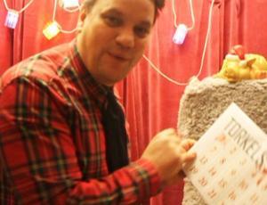 Varje dag fram till julafton blir det lucköppning med Torkel.