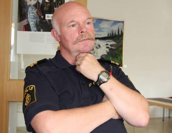 Naturligtvis vill jag ha fler poliser i Härjedalen. Men tyvärr lever vi i den verklighet där antalet poliser minskat, säger Håkan Andersson.