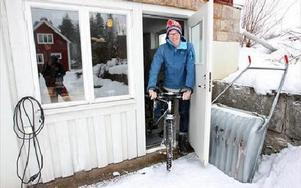 På torsdag sticker Erik Ekedahl från Grycksbo ut på sin livs resa på cykel jorden runt.-- Det ska bara bli spännande, säger han.FOTO: BONS NISSE ANDERSSON