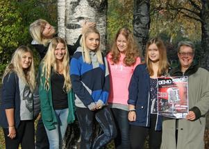 Emilia Carlberg, Sara Åhlin, Ida Åhlin, Josephine Jonasson och Lina Sjölén går i sjuan och ska vara med på Demo Stage. Sylvia Sandin och Eva Tånneryd, NBV, ingår i arrangörsstaben.