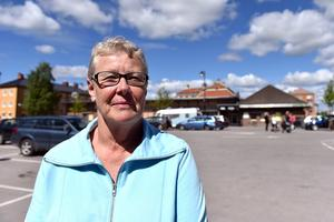 Karin berättar att man varje måndag undrar vad som nu hänt i helgen i Orsa.