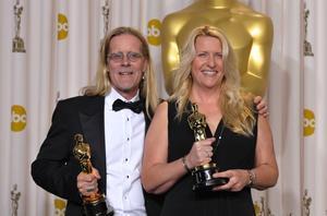 Per Hallberg och Karen Baker Landers när de vann på Oscarsgalan i vintras.