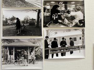 Utställningens bilder är från 1960-talet och framåt, en del av dem från Herräng.