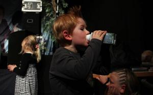 En skvätt mjölk mitt i alltihopa är aldrig fel, tycker Albin Engmyren från Sandarne.