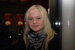 Maja Öman-Olsson 16 År Skutskär Studerande1. Vilken film ska du se idag och varför jus den filmen?Pineapple Express, det blev bara den filmen. Får se om den är bra2. Vilken är din favoritfilm och varför?Lätt Yrrol, det är den bästa filmen någonsin.
